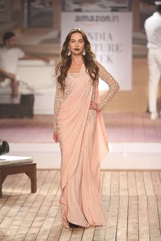 Buy Peach Color Saree Gown by Akanksha Singh at Fresh Look Fashion Saree Designs Party Wear, Party Wear Sarees, Saree Blouse Designs, Beautiful Pakistani Dresses, Elegant Saree, Indian Dresses, Indian Fashion Trends, Indian Designer Outfits, Designer Dresses