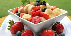 Red, White, and Blueberry Fruit Salad Fruit Salad Recipes, Smoothie Recipes, Fruit Salads, Happy Potato, Blueberry Fruit, Fruit Fruit, Blue Fruits, Fourth Of July Food, Fast Easy Meals