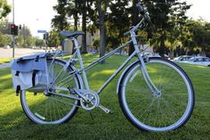 I really really want a Public Mixte bike, I super love this custom-designed one for Apple! :swoon: