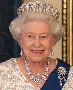 Image detail for -queen Elizabeth iII wears the brooch with queen Victoria's pearls - pearls are Elizabeth's favorite gem
