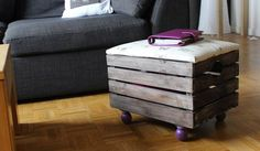 Plouf -plouf ce sera toi le...Pouf ! / DIY footstool. / By Stéphanie Grandval. Repurposed Furniture, Diy Furniture, Diy Footstool, Diy Pouf, Ikea Hack, Crates, Diy Projects, Diy Crafts, Ranger