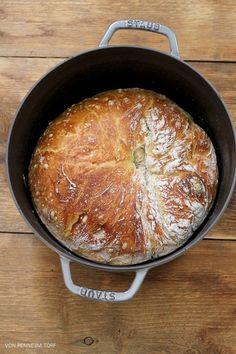 Penne im Topf: Brot und Brötchen