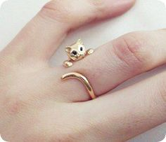Find images and videos about cat, ring and awn on We Heart It - the app to get lost in what you love. Cat Jewelry, Gold Jewelry, Jewelery, Jewelry Accessories, Jewelry Design, Fashion Rings, Fashion Jewelry, Cat Ring, Accesorios Casual