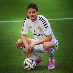 Real Madrid's new star James Rodriguez is set to shine at the Bernabéu.