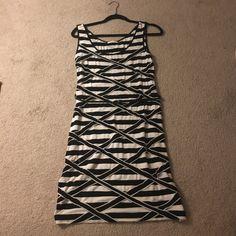Calvin Klein Dress 10 Black and white above knee includes belt Calvin Klein Dresses Midi