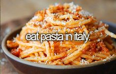 I don't have a bucket list, but I would LOVE to do this. Favorite place ever. Favorite food ever. Amatriciana Recipe, Pasta Amatriciana, Selfies, Pasta Noodles, Pasta Dishes, Pasta Food, Food Styling, Pasta E Basta, Italian Pasta
