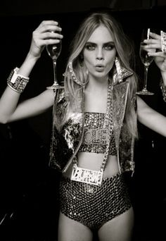 champagne + sparkles= always a good idea