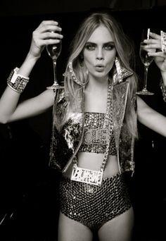 champagne + sparkles= always a good idea