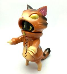 Nenne - Brown Tabby figure by Cherri, produced by Cherri. Front view.