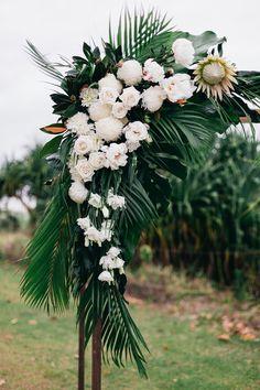 Sunshine & Confetti - Wedding planner, styling and stationery Brisbane Gold Coast, Wedding Confetti, Byron Bay, Event Styling, Wedding Designs, Wedding Planner, Sunshine, Stationery, Tropical