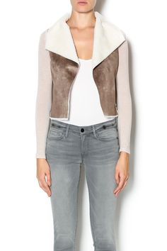 shearling jacket with knit sleeves. Cute and cozy, great piece to throw on for style and warmth this Fall season. Pair with boyfriend jeans and a long sleeve tee.   Shearling Jacket by Naked Zebra. Clothing - Jackets, Coats & Blazers - Jackets Manhattan, New York City New York City