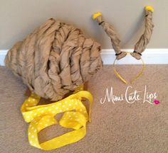 Easy DIY Snail Costume, this tutorial could be used for children or adults. Very affordable and doesn't require a lot of crafting skills. Purim Costumes, Baby Costumes, Cool Costumes, Costume Ideas, Snail Costume, Baby Snail, Rainbow Fish, Autumn Crafts, Diy Headband