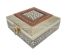 Source Antique FLOWER designed Wooden Handmade Wedding Box / Indian Gift Box on m.alibaba.com Marriage Box, Marriage Gifts, Wedding Gift Boxes, Wedding Favors, Return Gifts Indian, Mithai Boxes, Dry Fruit Box, Indian Wedding Gifts, Corrugated Box