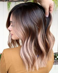 13 prettiest spring hair colors 2020 new hair dye trends hair color trends 2019 11 the hottest hair color trends 2018 hottest summer hair color trends 2018 best hair color ideas in 2020 top hair color trends all of the 2017 hair color trend terms. Onbre Hair, Hair Day, Curly Hair, Red Hair, Hair Color And Cut, Cool Hair Color, Subtle Hair Color, Hair Color For Brown Skin, Hair Color For Morena