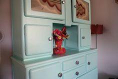 Le buffet chez ma grand mère m'attends sagement pour une custo turquoise !  Picture from Bliss Cocotte
