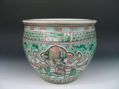 Antique Chinese Famille Verte Porcelain Jardiniere 19th Century. Ht: 10 inches. Diameter: 12 1/2 inches.