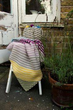 'Love in Every Stitch' blanket – Moochka