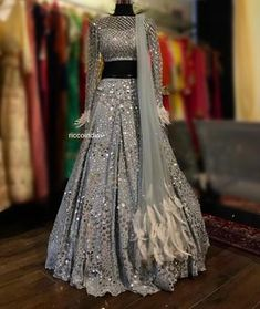Wedding salwar suits - New Designer Lehenga 16 Indian Wedding Gowns, Indian Gowns Dresses, Indian Bridal Outfits, Pakistani Bridal Dresses, Indian Fashion Dresses, Indian Designer Outfits, Wedding Lehanga, Wedding Hijab, Punjabi Wedding
