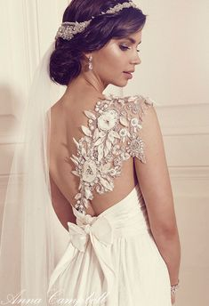 Sleeve detail // Anna Campbell wedding dress