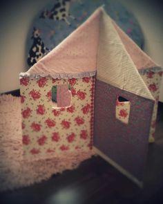 puppenhaus aus pappe selbst basteln kreative m dchen pinterest basteln und puppenh user. Black Bedroom Furniture Sets. Home Design Ideas