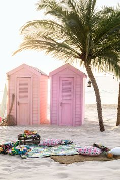 Pink surf shakes on the beach. Summer Vibes, Summer Feeling, Summer Fun, Summer Beach, Pink Summer, Style Summer, Summer Colours, Summer Loving, Enjoy Summer