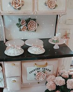 Deidrea Anne (@suzyhomefaker) •  #shabbychichome #shabbychic #pinkstove #pinkcooker #pinkoven #vintagestove # #romantichomes #countrycharm #victorian #victoriamagazine #oldworld Romantic Shabby Chic, Shabby Chic Pink, Romantic Homes, Shabby Chic Kitchen, Shabby Chic Homes, Victoria Magazine, Vintage Stoves, Country Charm, Old World