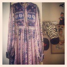 Vintage indian gauze dress for a Goddess... On indiVintage.com