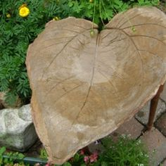 Garden Crafts - Make a Leaf Shaped Bird Bath