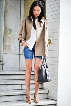 jean shorts, button-down blouse, lightweight trench and sandals. So chic!