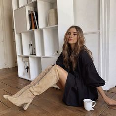 Pretty Outfits, Fall Outfits, Casual Outfits, Fashion Outfits, Womens Fashion, Bota Over, Style Parisienne, Vogue Fashion, Cold Weather Fashion