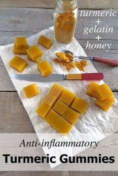 Anti-inflammatory and Healing Turmeric Gummies (Paleo, AIP) 10 mins to make. Turmeric is a powerful antioxidant, potent anti-inflammatory, and an osteoarthritis pain reliever. Try to eat it regularly for long term health benefits. Natural Cure For Arthritis, Natural Cures, Natural Health, Natural Treatments, Arthritis Remedies, Health Remedies, Arthritis Hands, Arthritis Diet, Types Of Arthritis