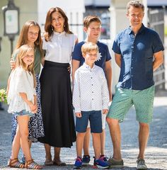 Danish Crown Prince family greeted Gråsten Ring Rider parade