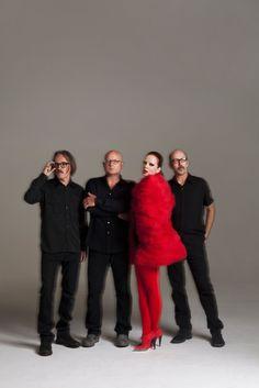 Garbage is Shirley Manson (vocals), Steve Marker (guitars, keyboards), Duke Erikson (guitars, keyboards) and Butch Vig (drums, loops).