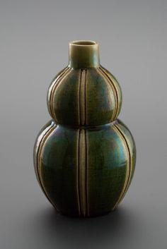 織部刻文花器 Vase with engraved,Oribe type 2013 Pottery, Type, Home Decor, Green, Ceramica, Interior Design, Pots, Home Interior Design, Home Decoration