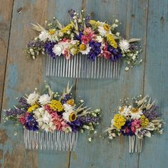 Our handmade dried flower hair combs are a great alternative for creating a wild, bohemian look to your wedding. They are available in three sizes measuring: Small size flowers measure approx 7cms across x 4cms high. Medium size flowers measure approx 13cms across x 6cms high. Large size flowers measure approx 20cms across x 7cms high All our designs are handmade to order, so please allow on average at least three weeks for dispatch to the UK and a further week for delivery to European…