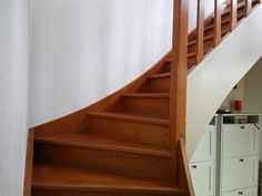 Repeindre-escalier-bois Stairs, Home Decor, Stair Makeover, Stairway, Decoration Home, Staircases, Room Decor, Ladders, Interior Decorating