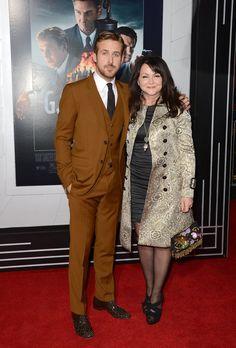 Pin for Later: Quand les Célébrités Mettent Leurs Mamans en Avant Sur le Tapis Rouge Ryan Gosling et Donna Gosling