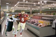 Security footage from Jameis Winston's shoplifting debacle. pic.twitter.com/cfq1h9f2h5