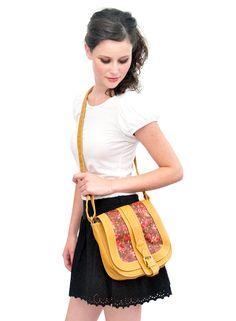Bolsa Fleur R$90.00  http://loja.princessconsuela.com.br/