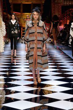 Dolce & Gabbana Fall Winter 2016-17 Women Fashion Show   Dolce & Gabbana