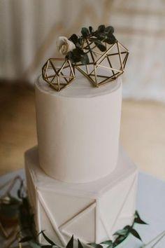 Winter Wedding Cake With Geometric Wedding Cake Toppers Burgundy Wedding Cake, All White Wedding, Floral Wedding Cakes, White Wedding Cakes, Cool Wedding Cakes, Wedding Cake Designs, Wedding Cake Toppers, Gold Wedding, Floral Cake