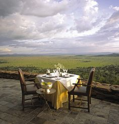 Relais & Chateaux - The Serengeti plain is a 60 000 km2 savannah between Kenya and Tanzania. Every year, it becomes the theatre for the migration of thousands of animals including zebras, gazelles and black wildebeest from the Northern hills to the Southern plains and back. Singita Grumeti Reserves - TANZANIA  #relaischateaux #romance