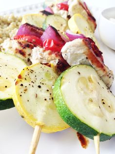 Skinny Greek Chicken Kabobs & Feta Dipping Sauce /// 222 calories for 3 kabobs, low carb, high protein via The Skinny Fork