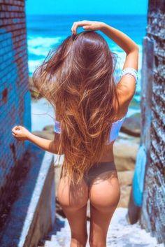 *NSFW* Another shrine to beautiful ladies *NSFW* — I love long hair, do you? Fine Girls, Cute Bikinis, Bikini Photos, Sexy Hot Girls, Sexy Bikini, Gorgeous Women, Sexy Women, Long Hair Styles, Copenhagen