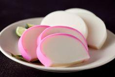 Kamaboko - Pasta de pescado o surimi    - Ingredientes:  400g. de pescado blanco, limpio y sin espinas  1/2 cucharadita de sal  ...