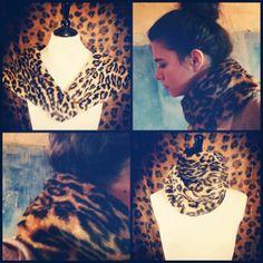 Estola de Leopardo 25,50 € 30,00 € (reducción de 15 %) ¡precio rebajado! Abrígate con nuestra estola de pelo en estampado de leopardo. Puedes ponerla sobre los hombros, o enrollarla alrededor del cuello. Tiene un cierre ajustable con pinza en el interior para que la lleves cómodamente. Composición: 100% acrílico.