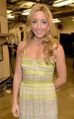 Ashley Monroe She sang with Train last nite