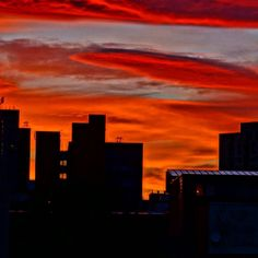 Another weekend done (OMG already!) any idea which friendly UK city this glorious #sunset was taken? #DH