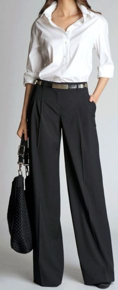 Fashion and style advice for women over 50 How to wear wide trousers Casual Work Outfits, Mode Outfits, Office Outfits, Work Casual, White Casual, Office Wear, Fashion Pants, Look Fashion, Autumn Fashion