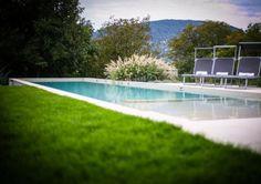 A hatalmas kert nemcsak szép, de praktikus is: veteményest és szőlőt is tartalmaz. Családi ház eladó Aranyhegy 380 m² - HomeHunters - Ingatlanok Dream Garden, Garden Design, Backyard, Landscape, Outdoor Decor, Inspiration, Home, Biblical Inspiration, Patio
